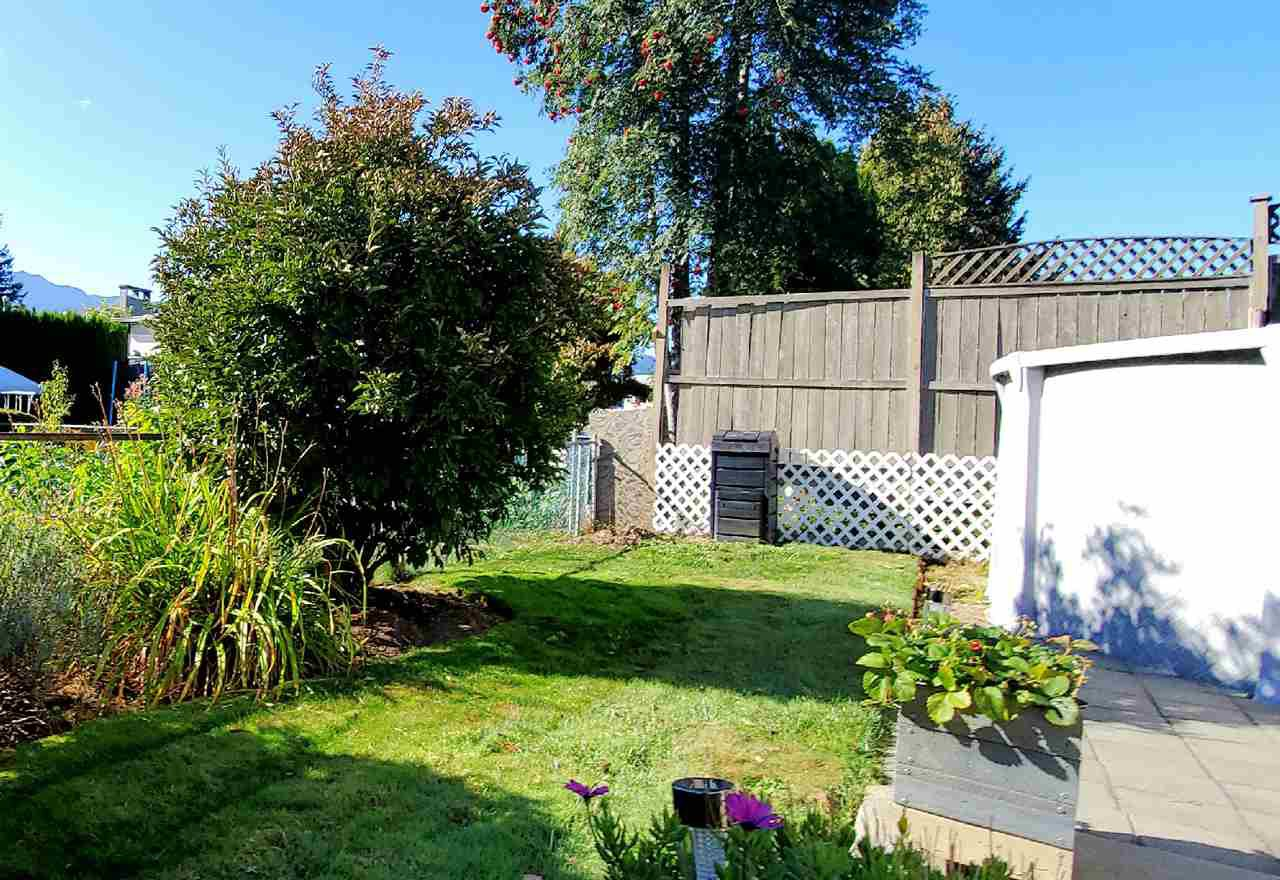 "Photo 5: Photos: 10097 KILLARNEY Drive in Chilliwack: Fairfield Island House for sale in ""FAIRFIELD"" : MLS®# R2495719"