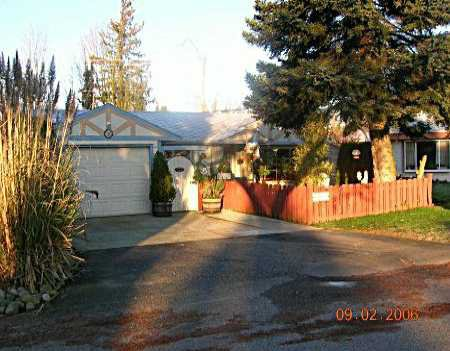 """Main Photo: 1399 OAKWOOD CR in North Vancouver: Norgate House for sale in """"NORGATE"""" : MLS®# V574615"""