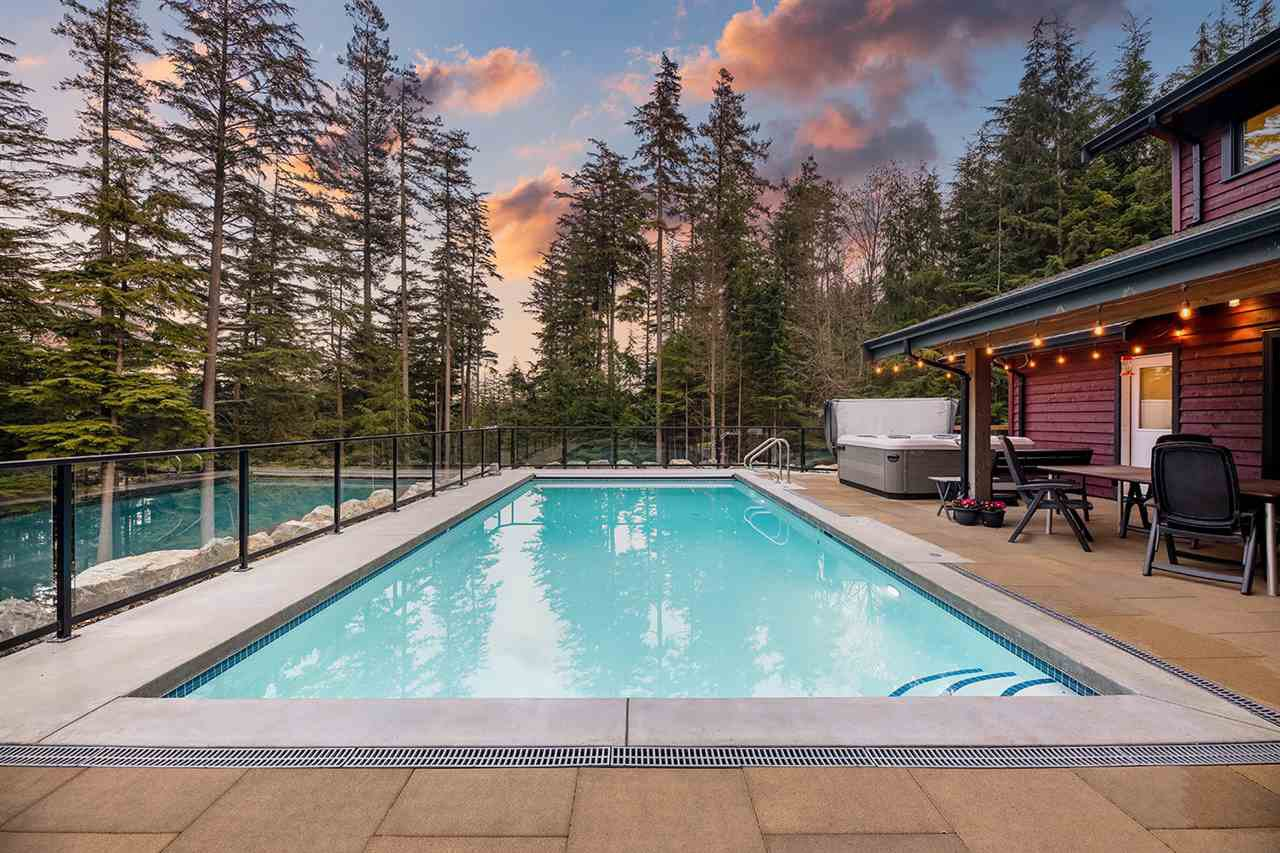 "Main Photo: 321 JOSEPHINE Drive: Bowen Island House for sale in ""Jospehine Ridge"" : MLS®# R2443189"