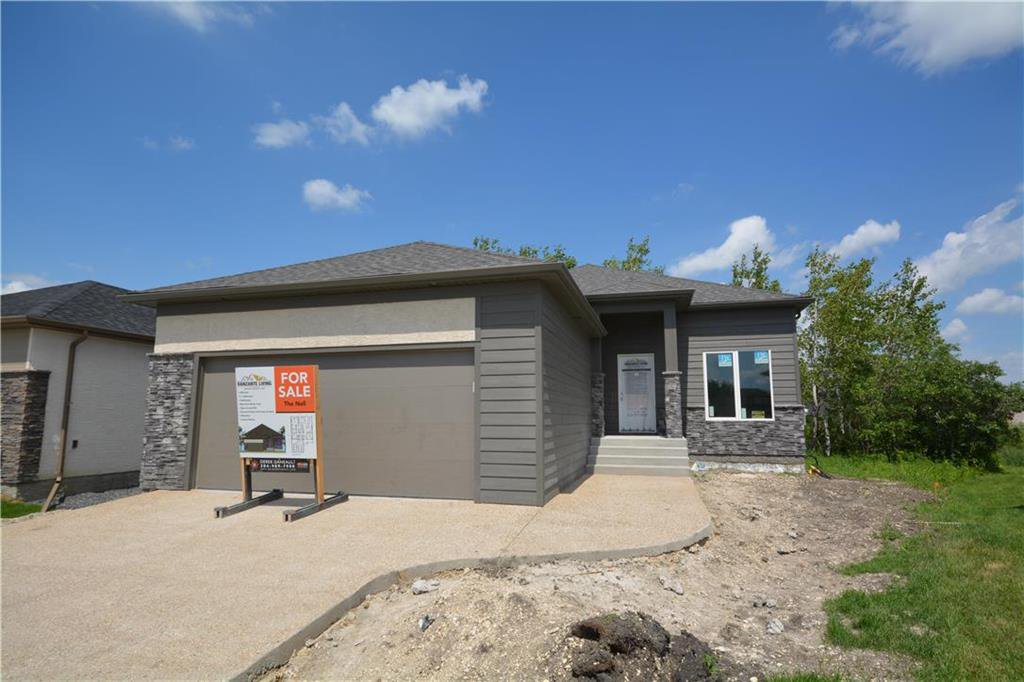 Main Photo: 11 Pawley Place in Selkirk: Creekside Estates Residential for sale (R14)  : MLS®# 202015265