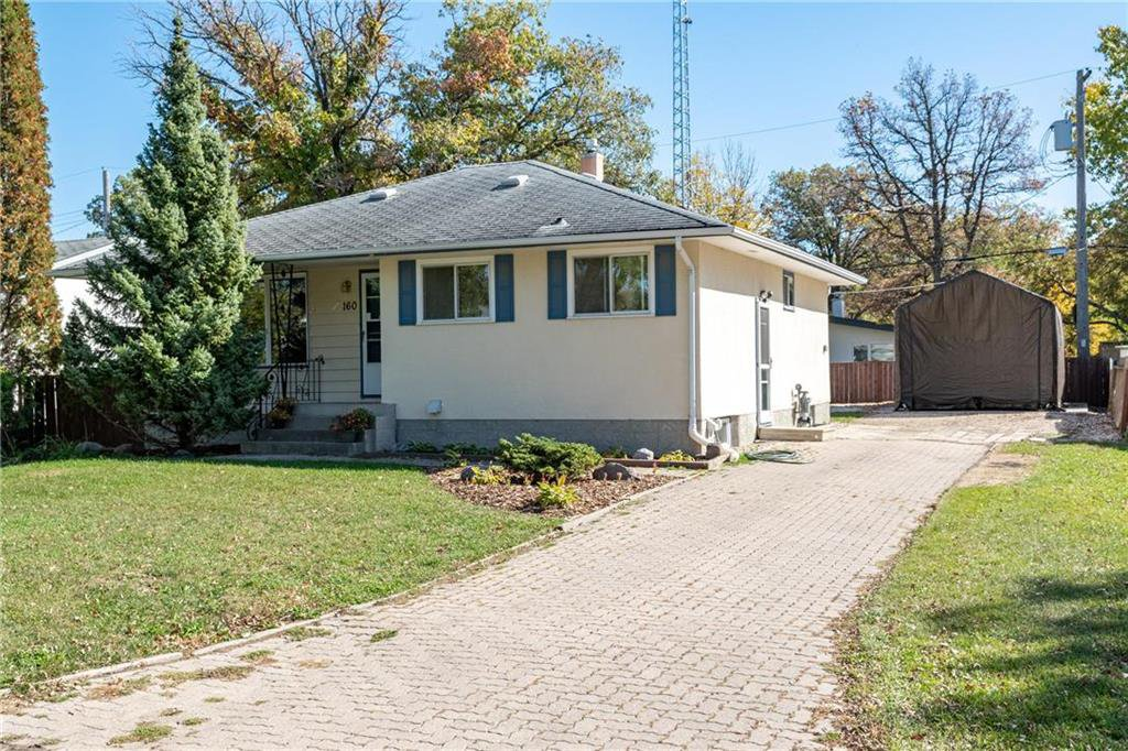 Main Photo: 160 Crofton Bay in Winnipeg: Pulberry Residential for sale (2C)  : MLS®# 202024635