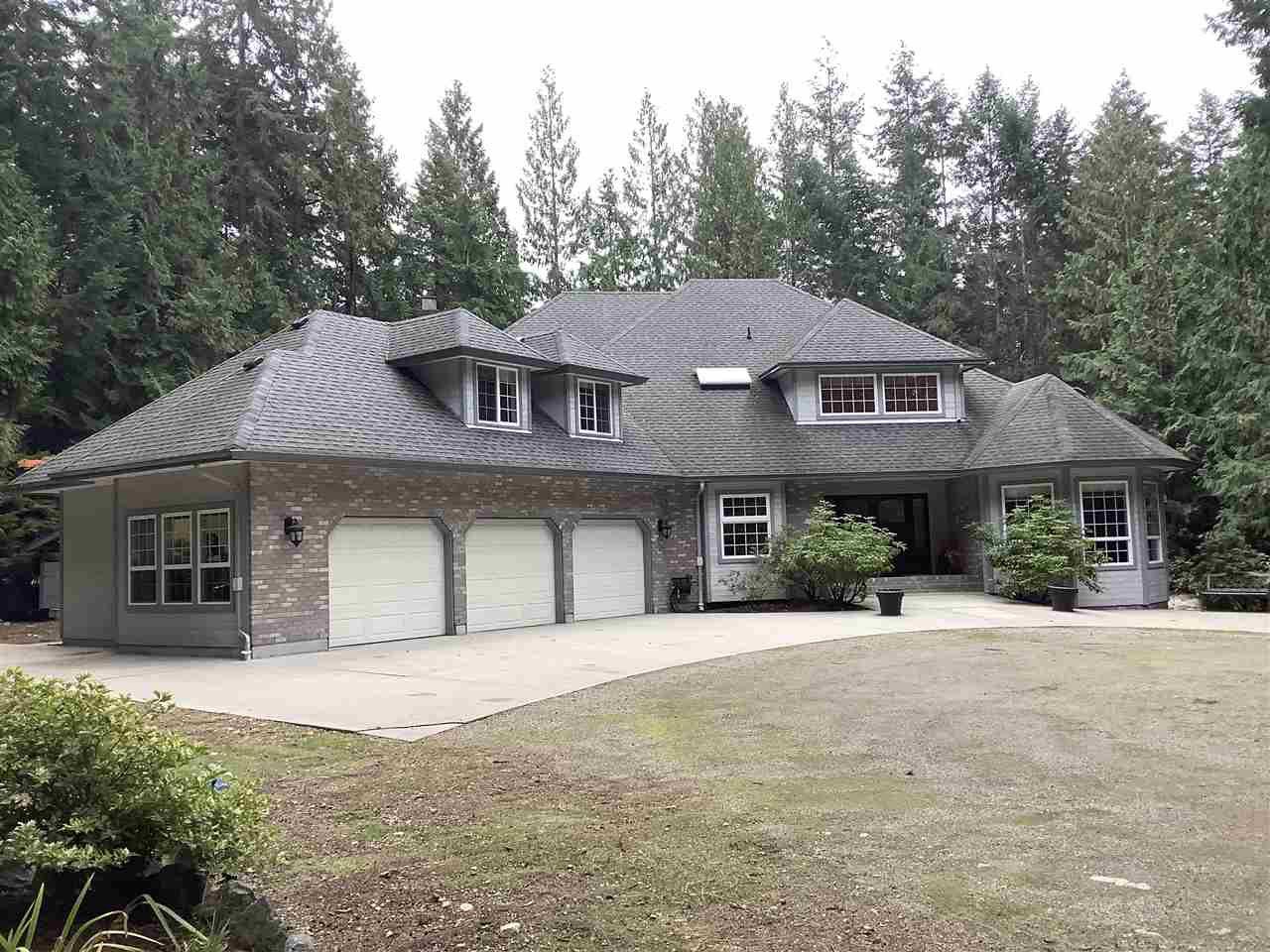 Main Photo: 1356 ROBERTS CREEK Road: Roberts Creek House for sale (Sunshine Coast)  : MLS®# R2512236