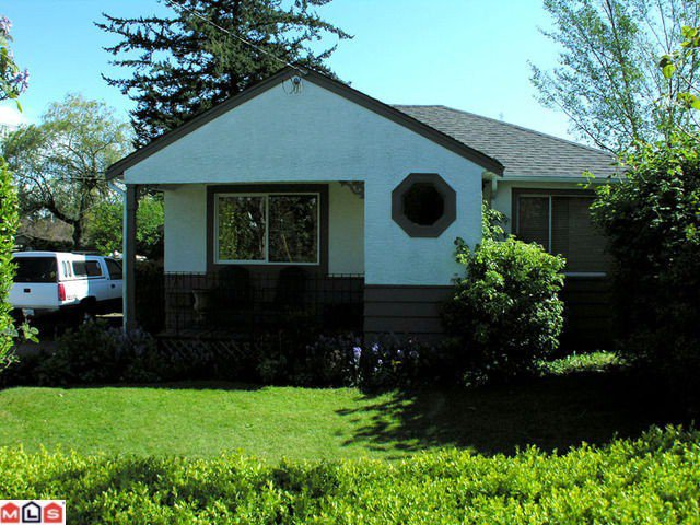 Photo 1: Photos: 15620 RUSSELL Avenue: White Rock House for sale (South Surrey White Rock)  : MLS®# F1013433