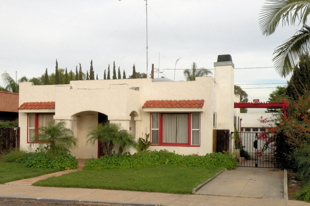 Main Photo: KENSINGTON House for sale : 2 bedrooms : 4559 Copeland Avenue in San Diego