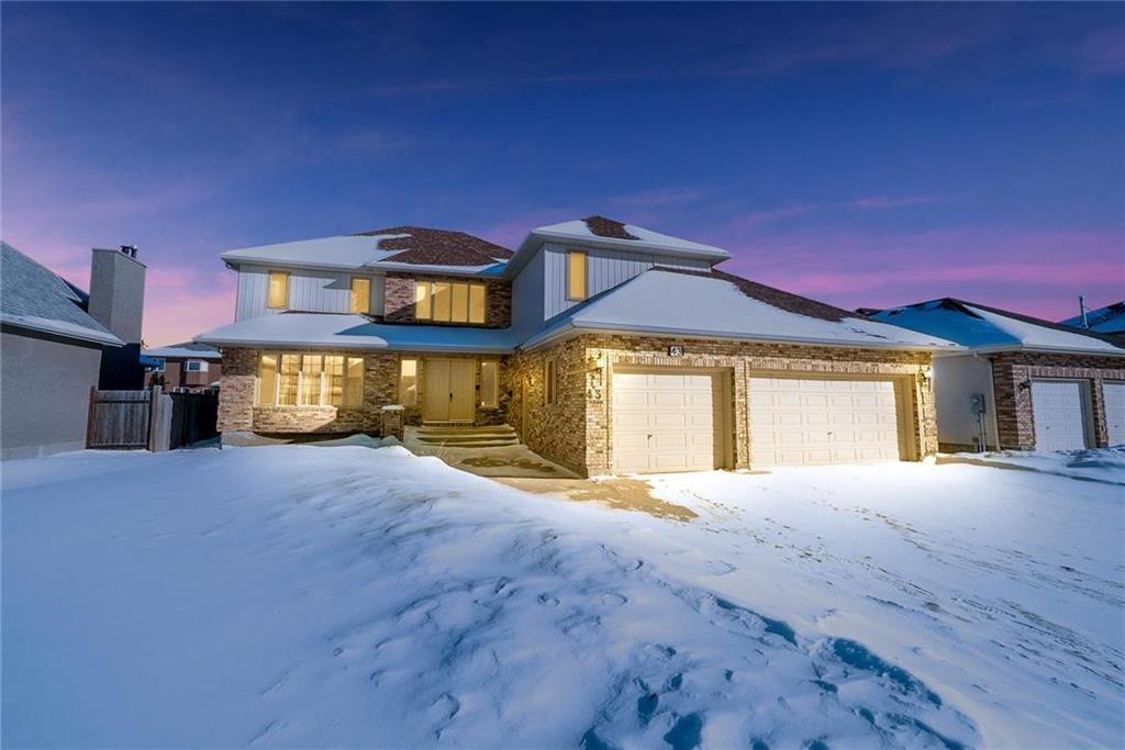 Main Photo: 43 Kingsborough Drive in Winnipeg: Linden Woods Residential for sale (1M)  : MLS®# 202001353