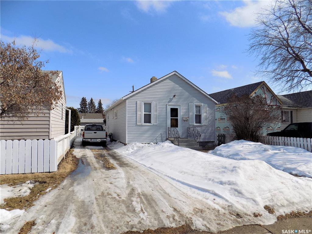 Main Photo: 914 O Avenue South in Saskatoon: King George Residential for sale : MLS®# SK803939