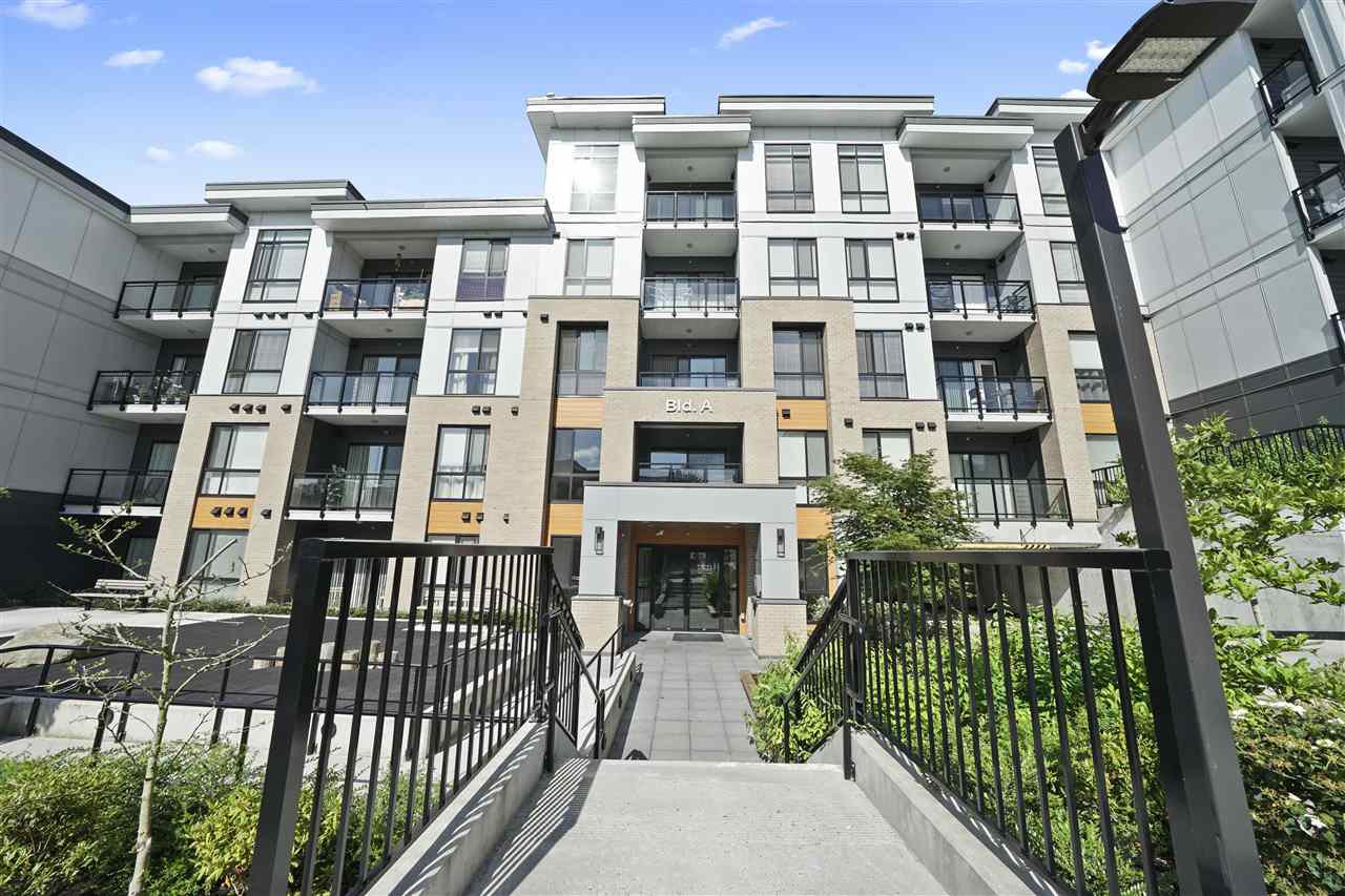 "Main Photo: A005 20087 68 Avenue in Langley: Willoughby Heights Condo for sale in ""Park Hill"" : MLS®# R2501917"