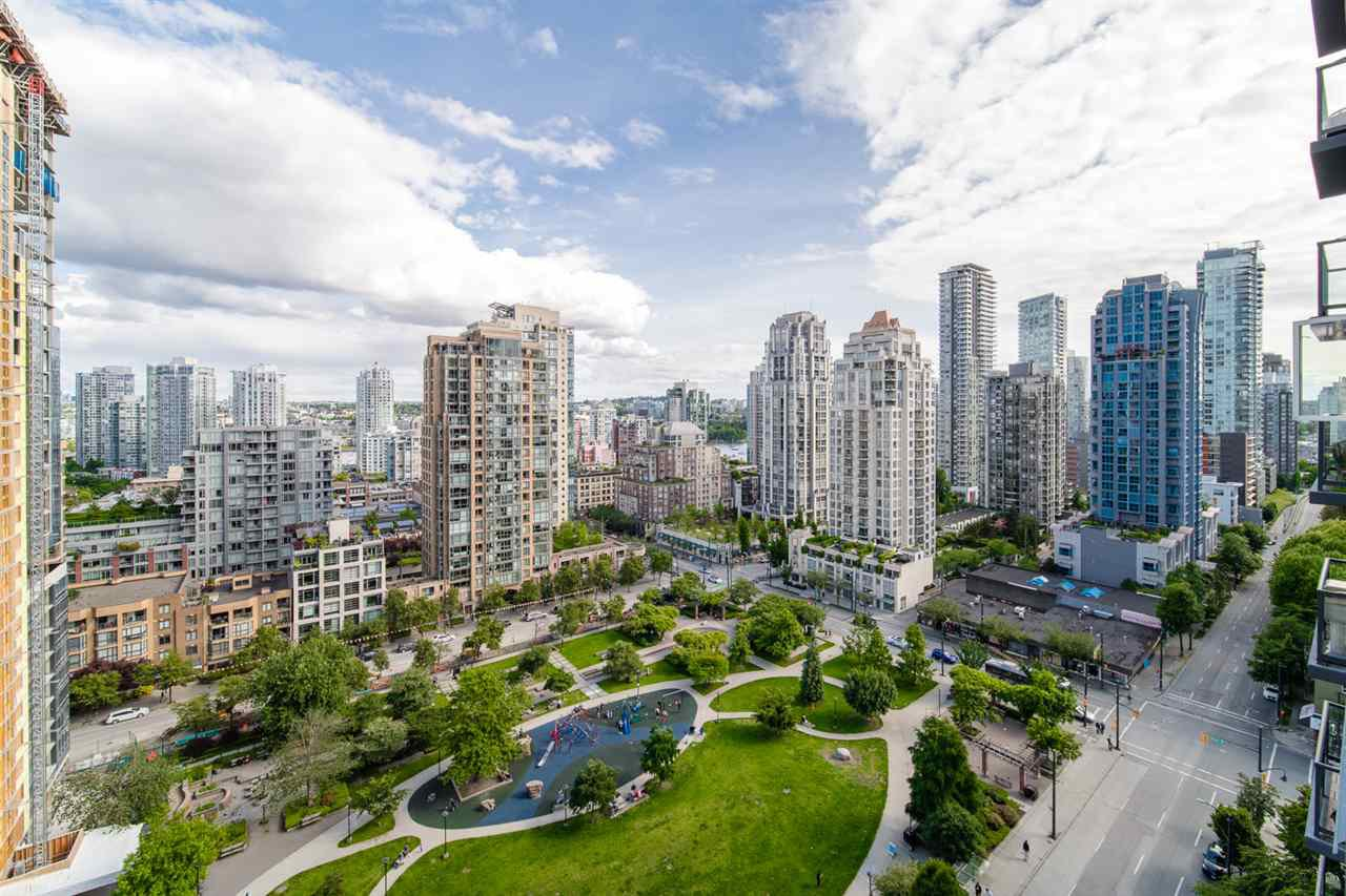 """Main Photo: 1704 1155 SEYMOUR Street in Vancouver: Downtown VW Condo for sale in """"The Brava"""" (Vancouver West)  : MLS®# R2508018"""