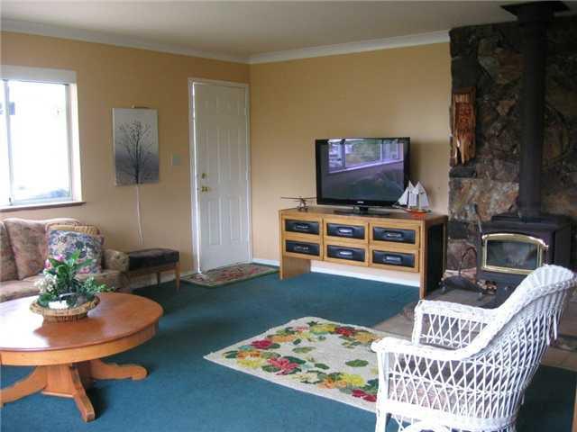Photo 4: Photos: 5210 HEATHER Road in Sechelt: Sechelt District House for sale (Sunshine Coast)  : MLS®# V820656