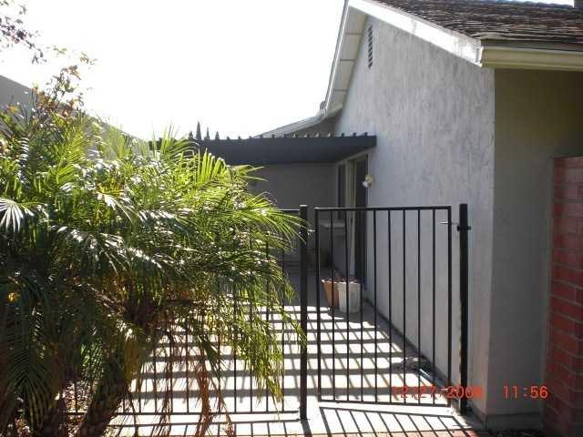 Photo 2: Photos: RANCHO PENASQUITOS House for sale : 3 bedrooms : 10244 Avenida De La Cantina in San Diego