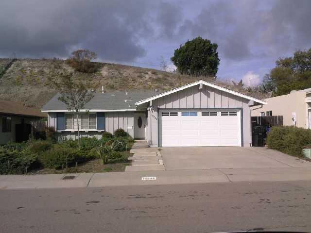 Main Photo: RANCHO PENASQUITOS House for sale : 3 bedrooms : 10244 Avenida De La Cantina in San Diego
