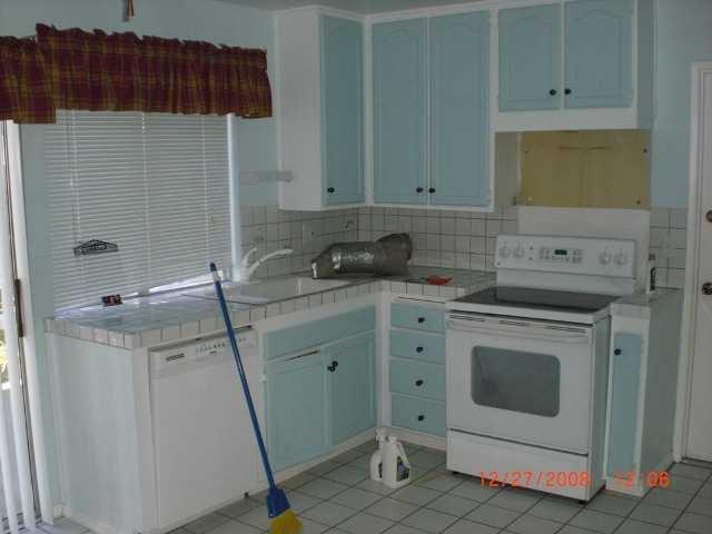 Photo 11: Photos: RANCHO PENASQUITOS House for sale : 3 bedrooms : 10244 Avenida De La Cantina in San Diego