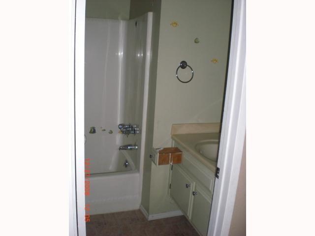 Photo 8: Photos: RANCHO PENASQUITOS House for sale : 3 bedrooms : 10244 Avenida De La Cantina in San Diego