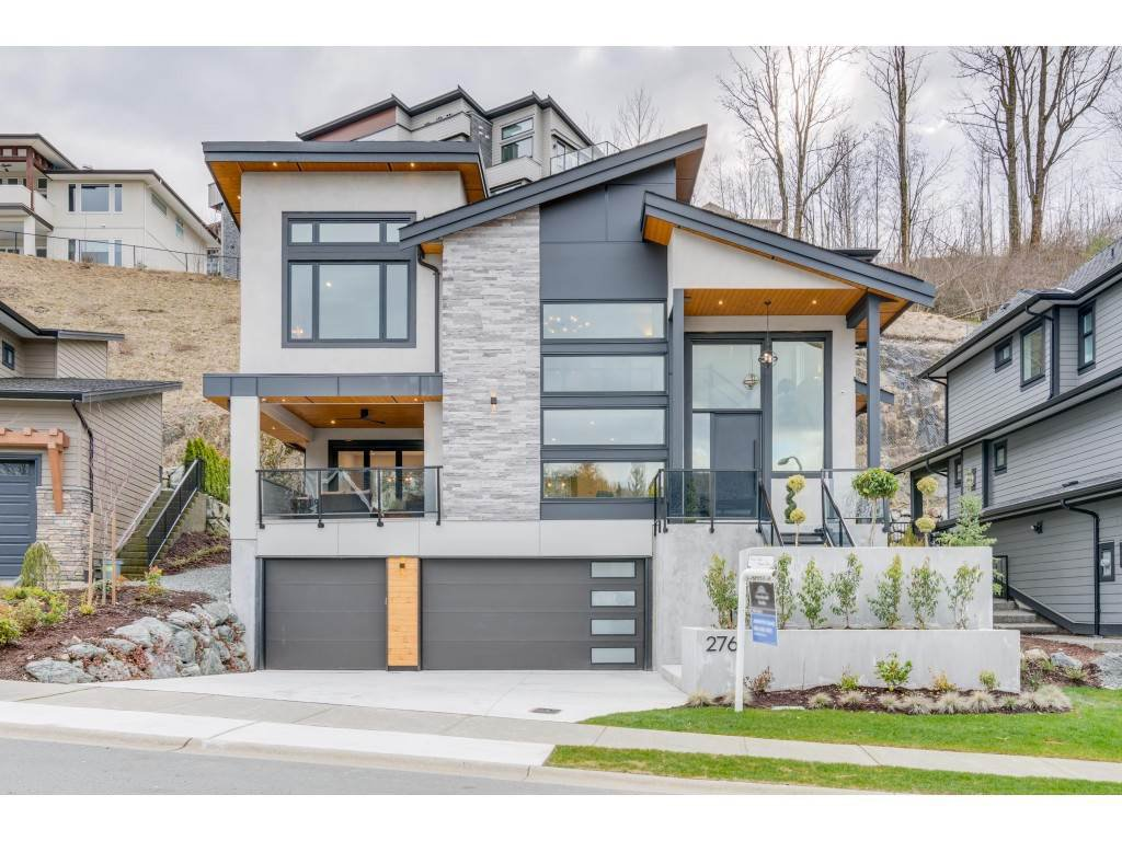 "Main Photo: 2761 AQUILA Drive in Abbotsford: Abbotsford East House for sale in ""EAGLE MOUNTAIN"" : MLS®# R2429161"