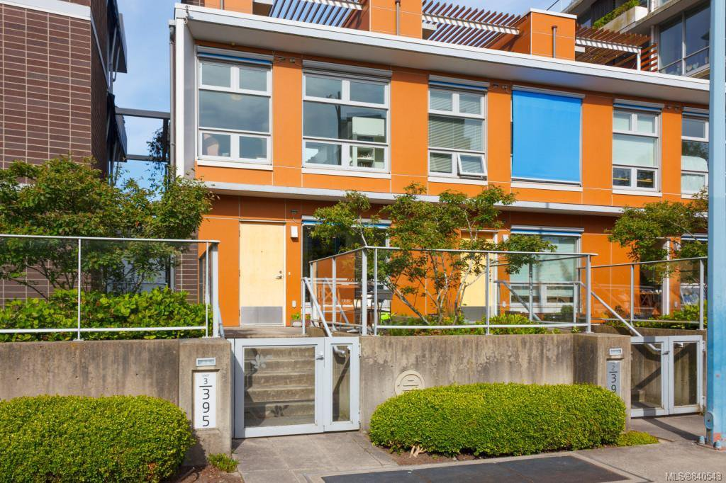 Main Photo: 3 395 Tyee Rd in Victoria: VW Songhees Row/Townhouse for sale (Victoria West)  : MLS®# 840543