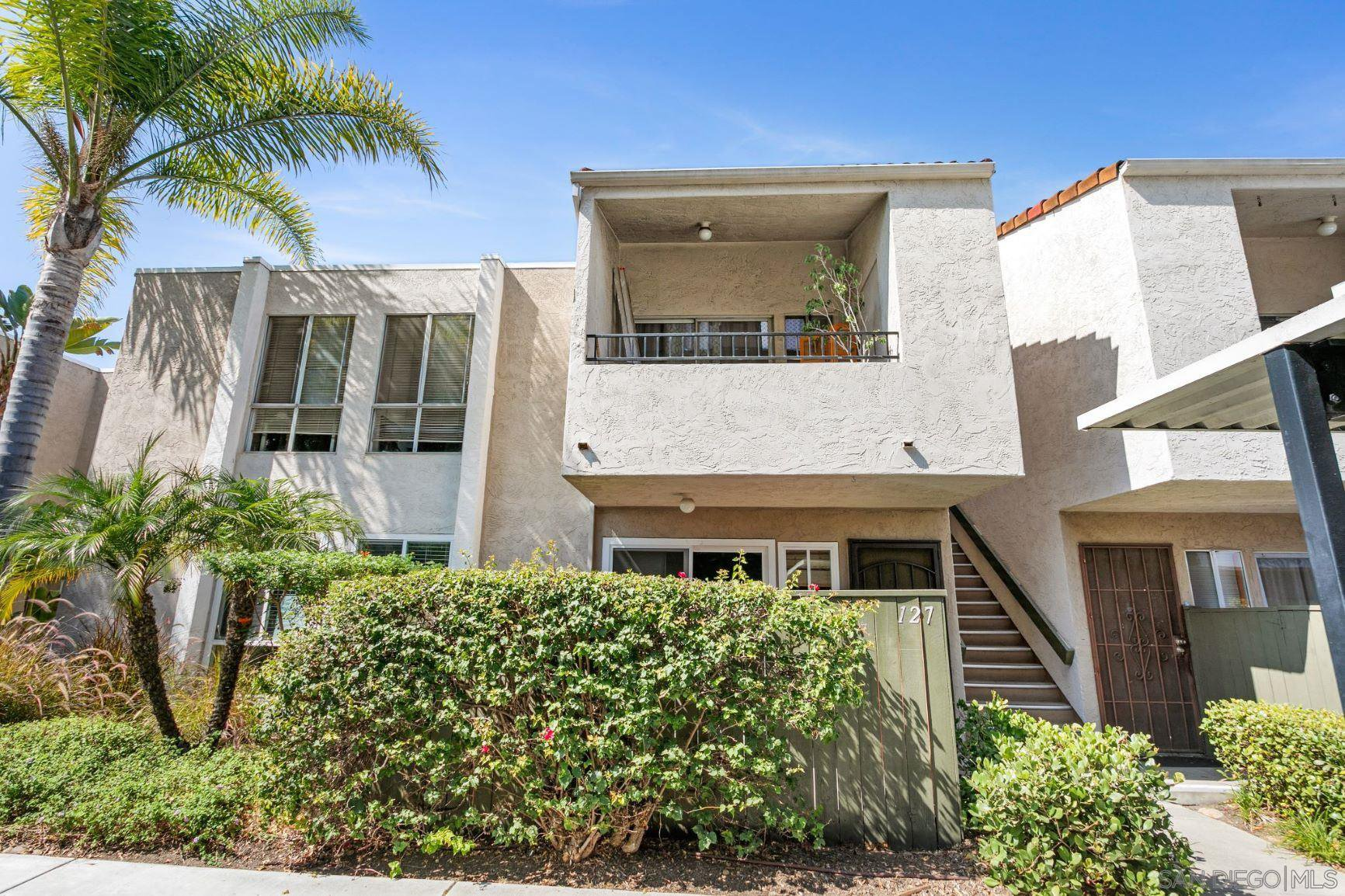 Main Photo: SERRA MESA Condo for sale : 3 bedrooms : 3591 Ruffin Rd #127 in San Diego