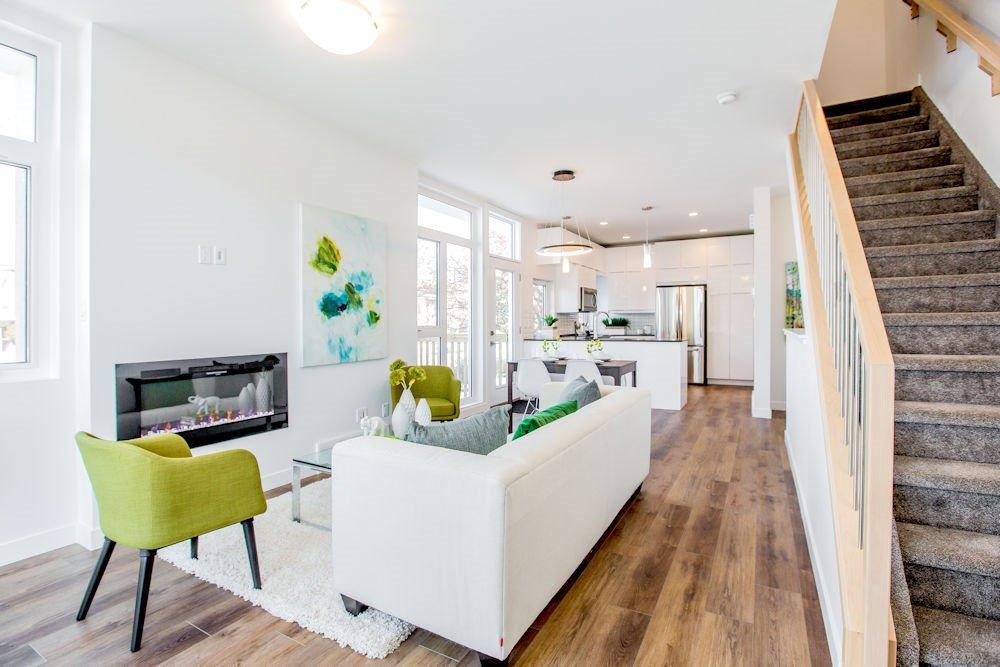 Main Photo:  in Edmonton: Zone 10 Townhouse for sale : MLS®# E4221537