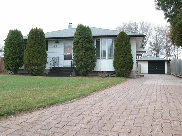 Main Photo: 28 Kootenay Crescent in Winnipeg: West Transcona Single Family Detached for sale (3L)  : MLS®# 1909150