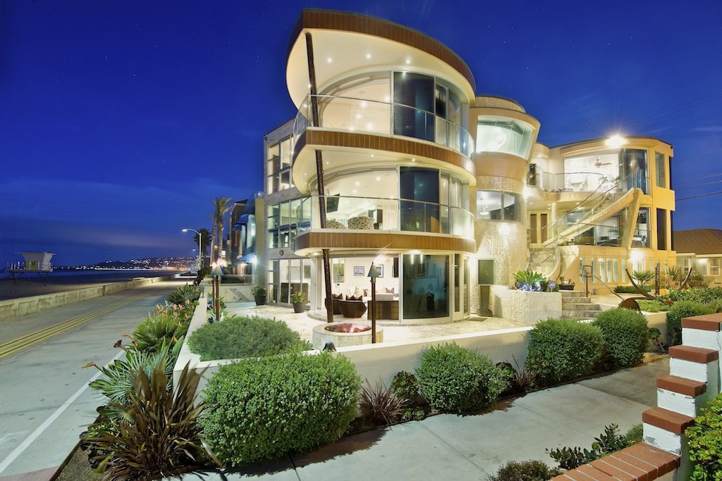 Main Photo: House for sale : 8 bedrooms : 3675 Ocean Front Walk in San Diego