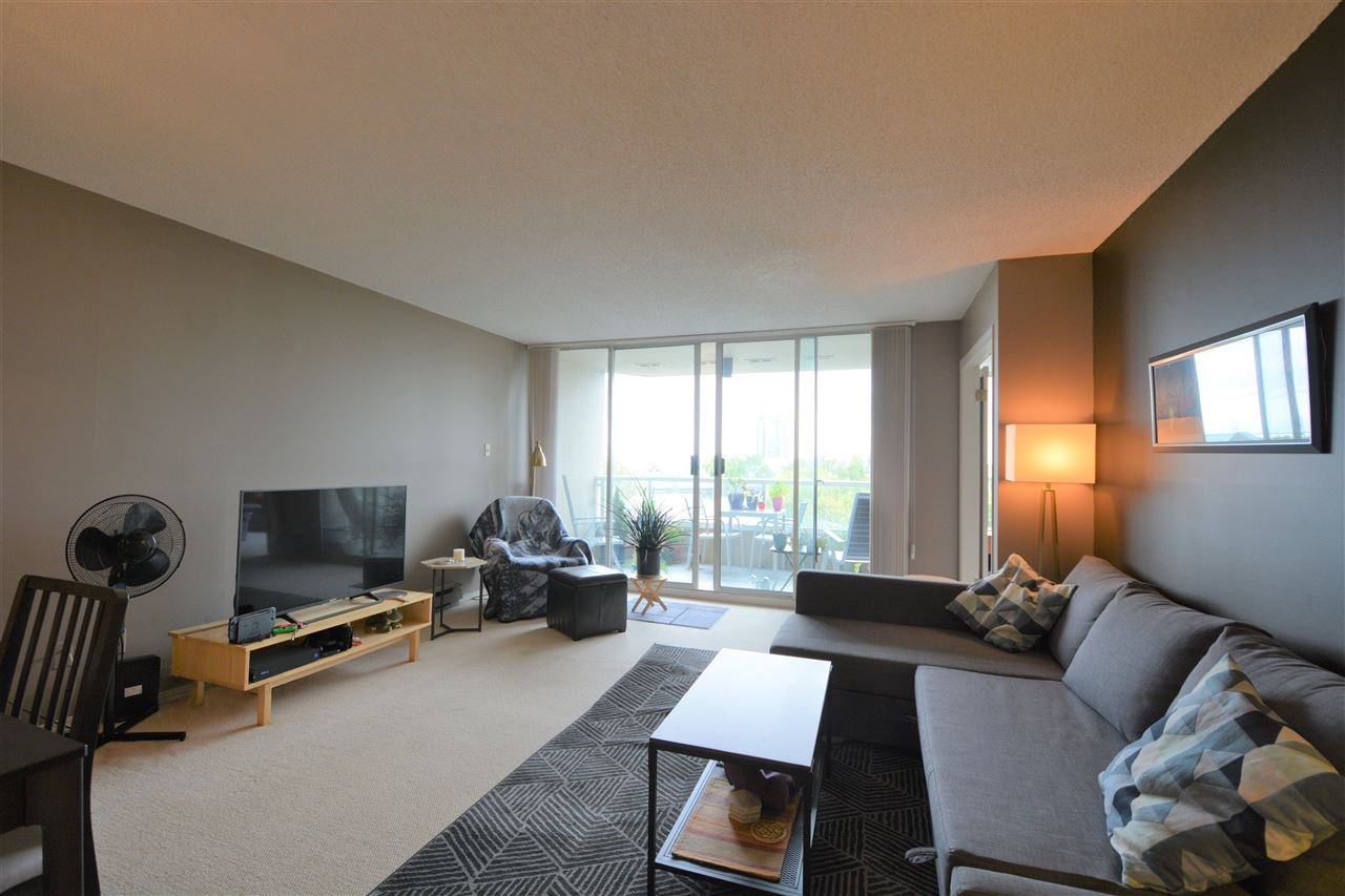 "Main Photo: 505 1045 QUAYSIDE Drive in New Westminster: Quay Townhouse for sale in ""QUAYSIDE TOWER 1"" : MLS®# R2500071"