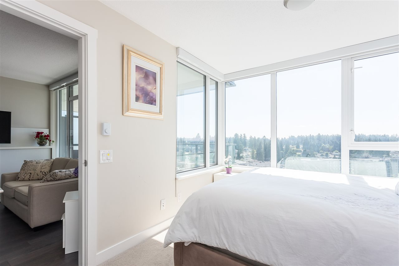 Main Photo: 2005 602 COMO LAKE AVENUE in Coquitlam: Coquitlam West Condo for sale : MLS®# R2483073