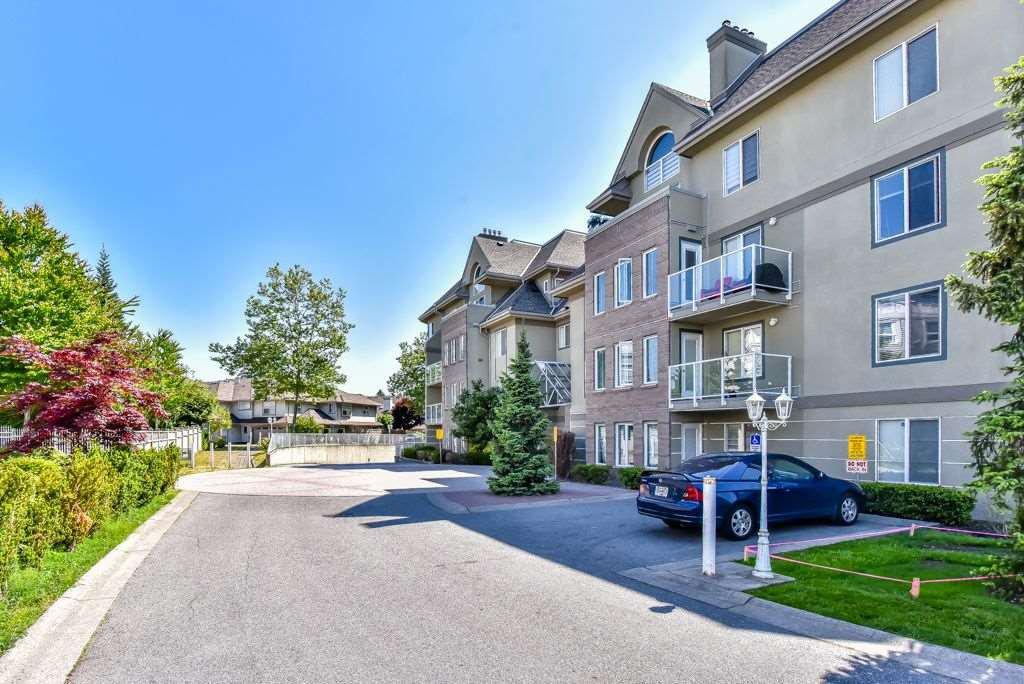 Main Photo: 106 12125 75A AVENUE in Surrey: Condo for sale : MLS®# R2270790