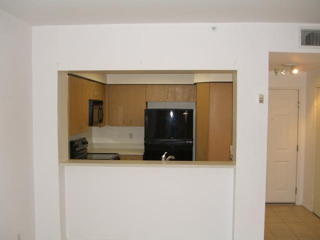 Main Photo: DOWNTOWN Condo for sale : 1 bedrooms : 620 State #214 in San Diego