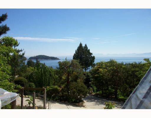 "Photo 2: Photos: 6868 ISLANDVIEW Road in Sechelt: Sechelt District House for sale in ""WEST SECHELT"" (Sunshine Coast)  : MLS®# V769556"