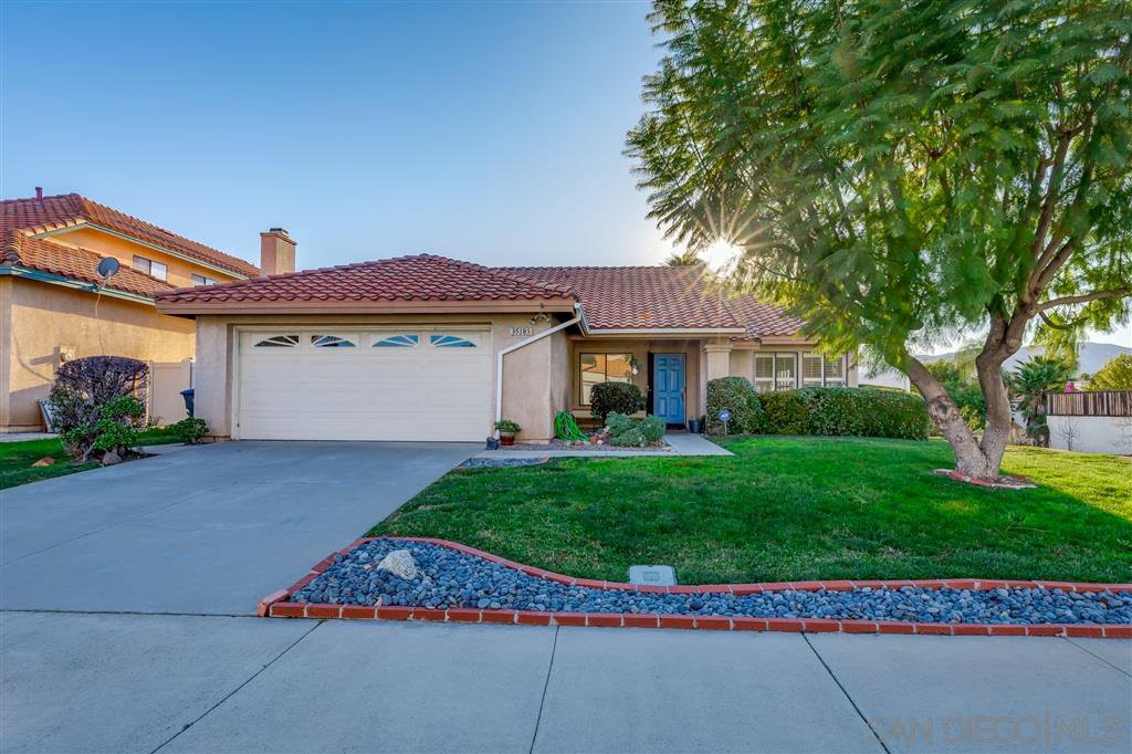 Main Photo: TEMECULA House for sale : 4 bedrooms : 35185 Momat Ave in Wildomar