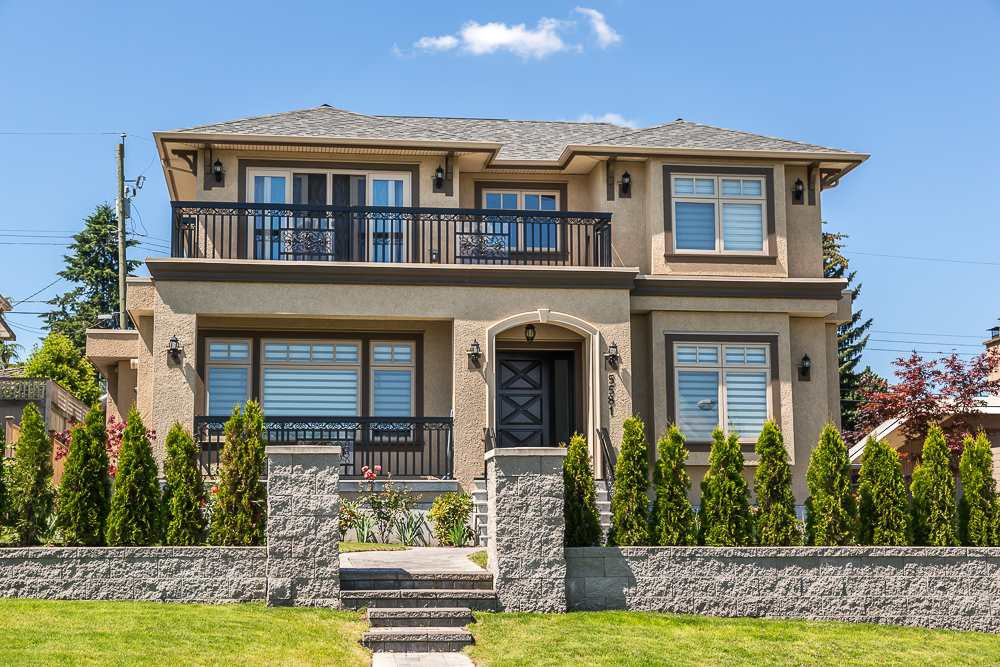 Main Photo: 5581 FORGLEN Drive in Burnaby: Forest Glen BS House for sale (Burnaby South)  : MLS®# R2526153