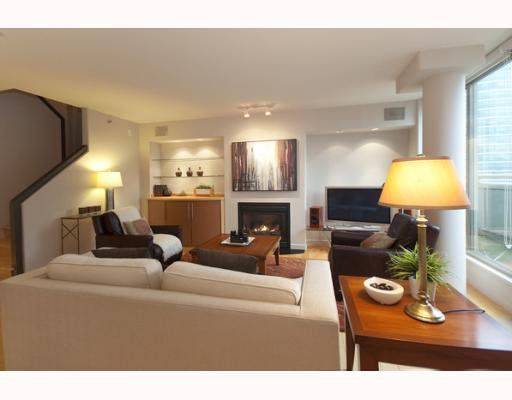 """Main Photo: 1408 819 HAMILTON Street in Vancouver: Downtown VW Condo for sale in """"8-1-9"""" (Vancouver West)  : MLS®# V803280"""