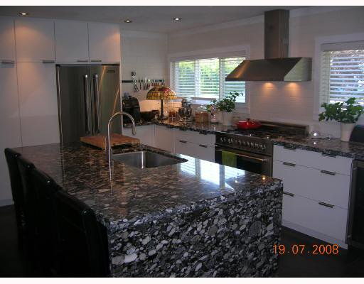 "Photo 3: Photos: 1375 MCBRIDE Street in North_Vancouver: Norgate House for sale in ""NORGATE"" (North Vancouver)  : MLS®# V723908"
