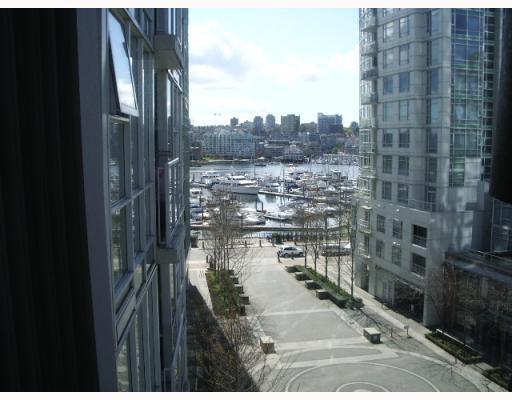 Main Photo: 703 193 AQUARIUS MEWS BB in Vancouver: False Creek North Condo for sale (Vancouver West)  : MLS®# V752387