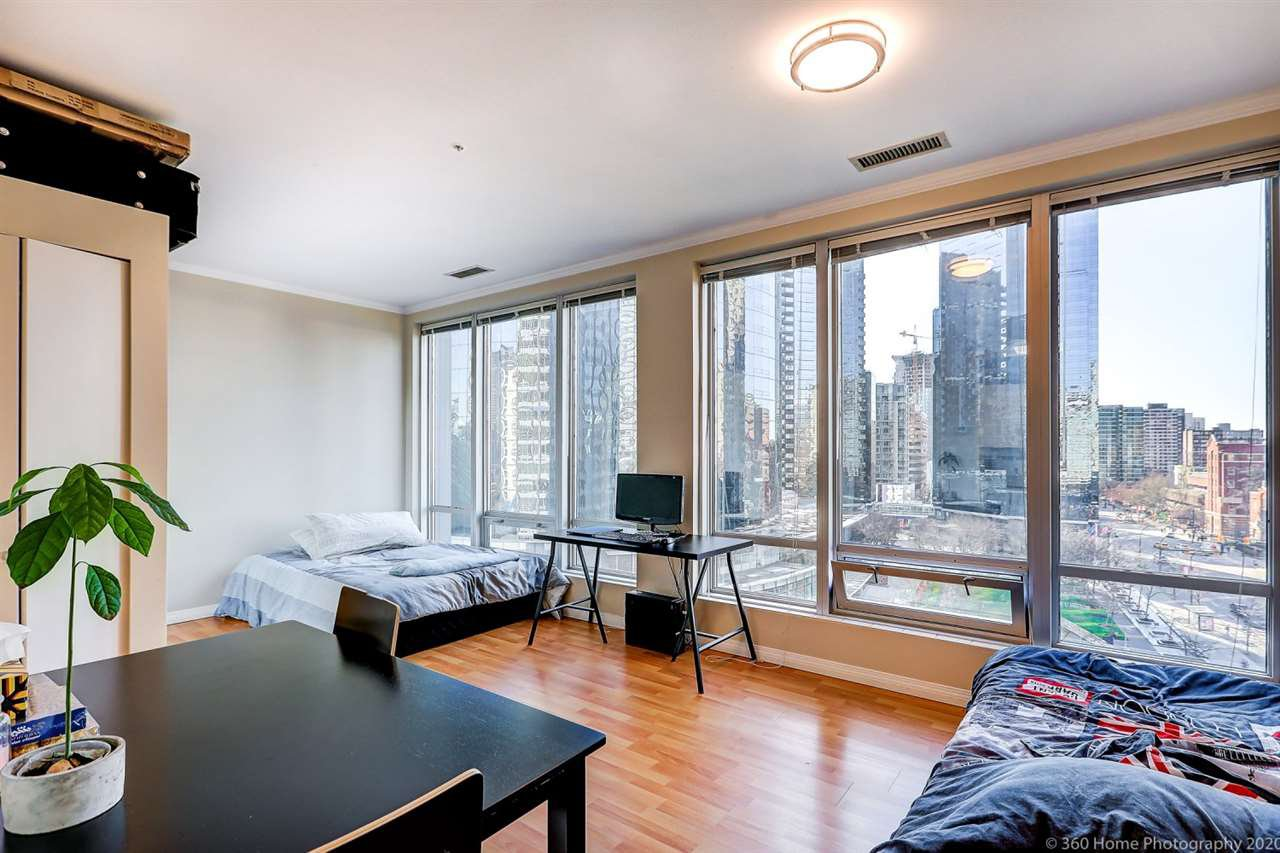 "Main Photo: 605 989 NELSON Street in Vancouver: Downtown VW Condo for sale in ""ELECTRA"" (Vancouver West)  : MLS®# R2437676"