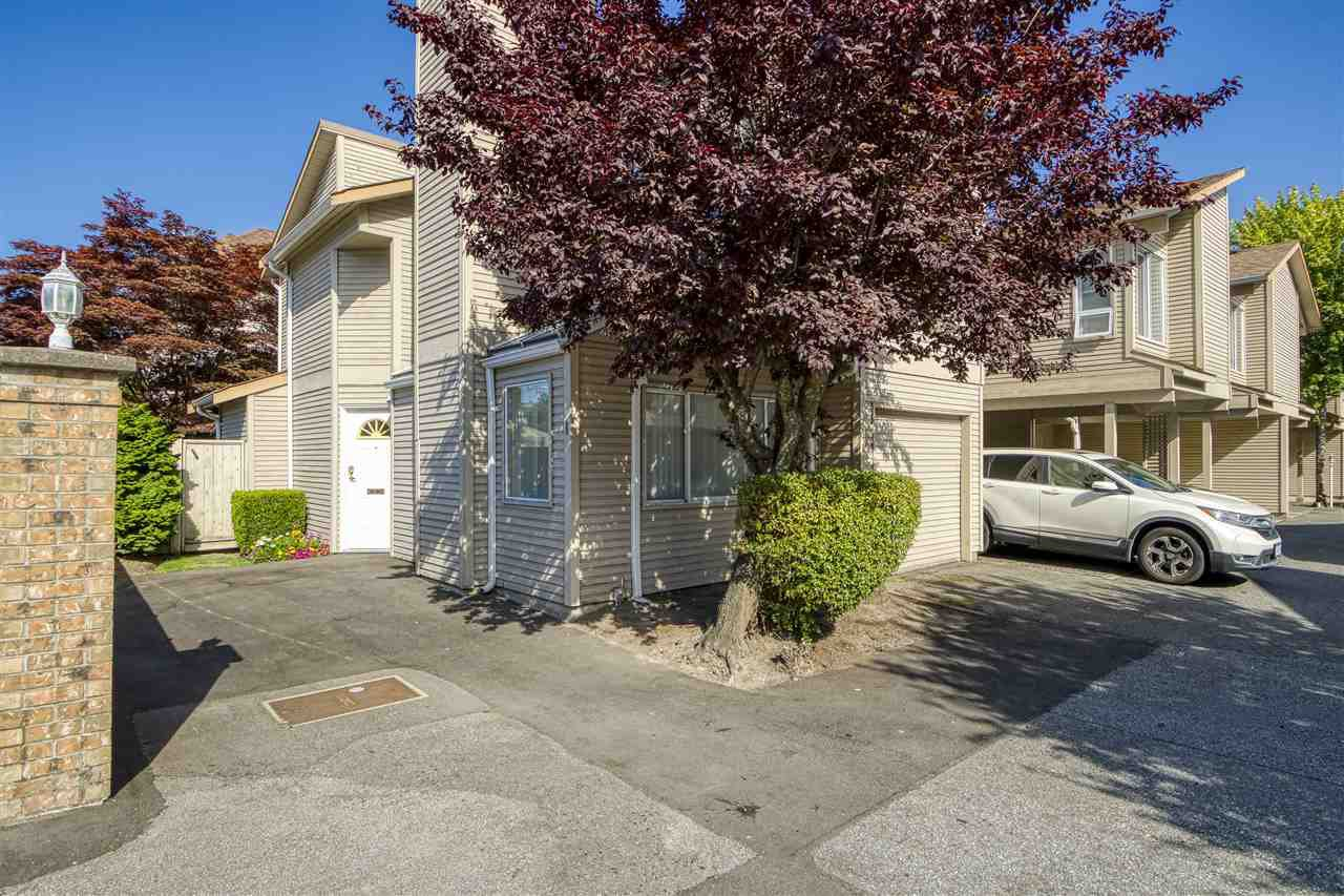 """Main Photo: 1 8691 COOK Road in Richmond: Brighouse Townhouse for sale in """"AUSTRAL LANE"""" : MLS®# R2484404"""