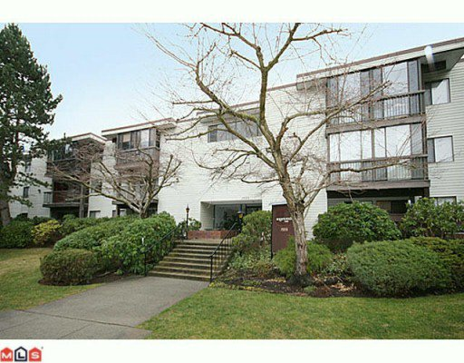 """Main Photo: 310 1555 FIR Street: White Rock Condo for sale in """"SAGEWOOD"""" (South Surrey White Rock)  : MLS®# F2928175"""