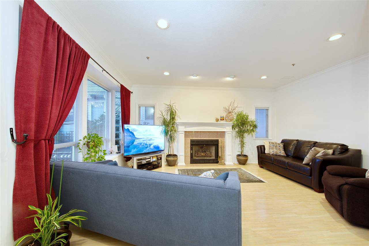 Photo 11: Photos: 125 E 53RD AVENUE in Vancouver: South Vancouver House for sale (Vancouver East)  : MLS®# R2399546