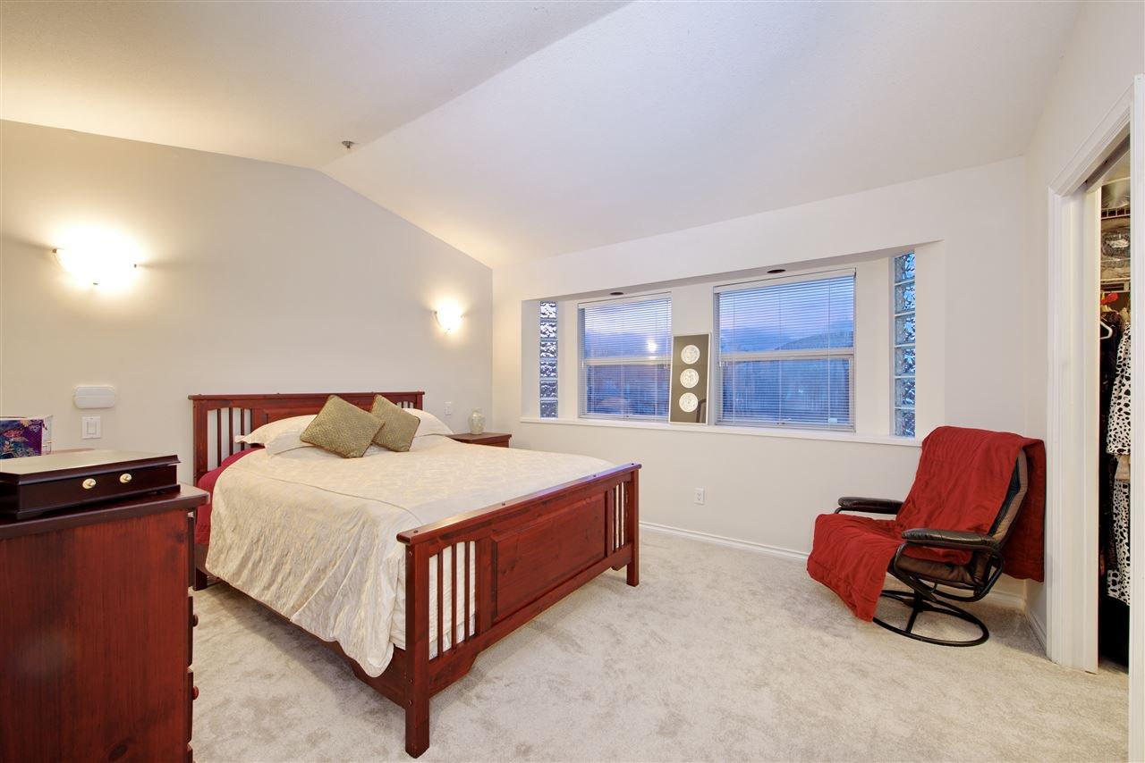Photo 18: Photos: 125 E 53RD AVENUE in Vancouver: South Vancouver House for sale (Vancouver East)  : MLS®# R2399546