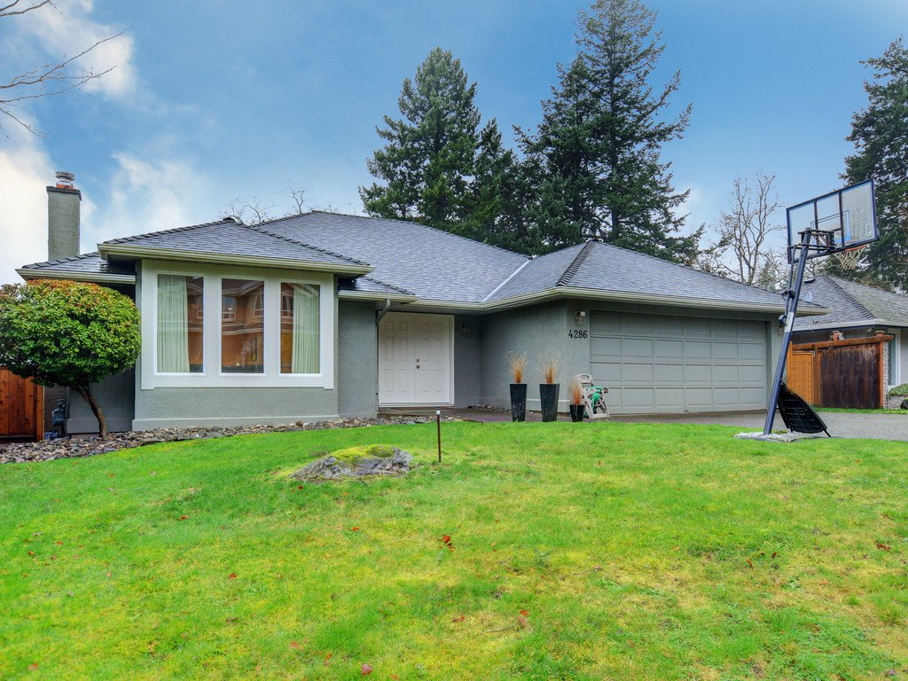 Main Photo: 4286 Faithwood Rd in VICTORIA: SE Broadmead House for sale (Saanich East)  : MLS®# 833160
