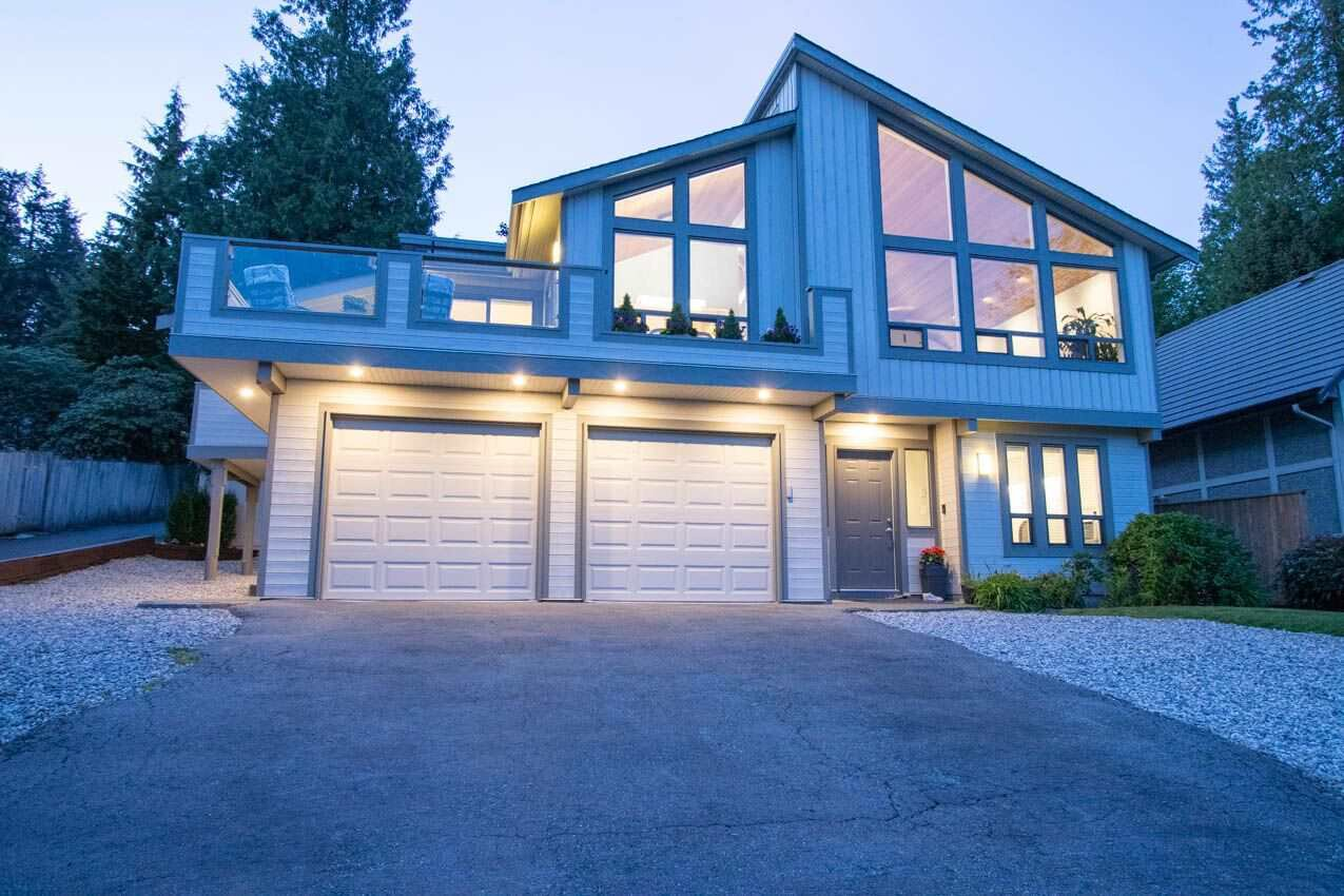 Photo 2: Photos: 3226 HUNTLEIGH Crescent in North Vancouver: Windsor Park NV House for sale : MLS®# R2455773
