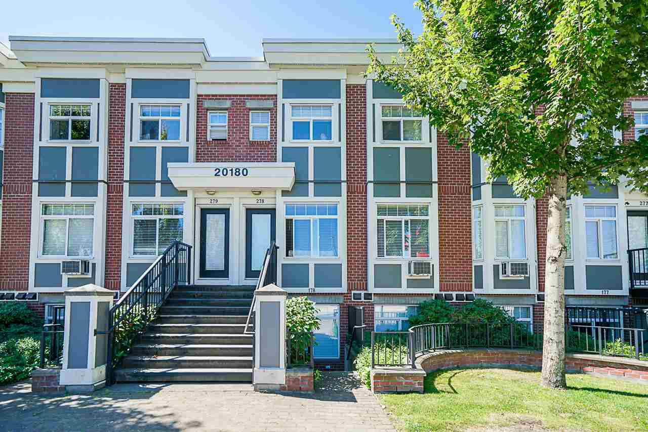 "Main Photo: 178 20180 FRASER Highway in Langley: Langley City Condo for sale in ""Paddington Station"" : MLS®# R2481629"