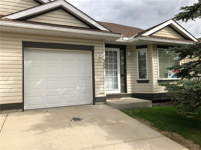 Main Photo: 206 SOMERVALE Point SW in Calgary: Somerset Row/Townhouse for sale : MLS®# A1019042