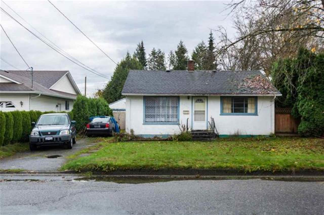 Main Photo: 9698 CORBOULD Street in Chilliwack: Chilliwack N Yale-Well House for sale : MLS®# R2493075