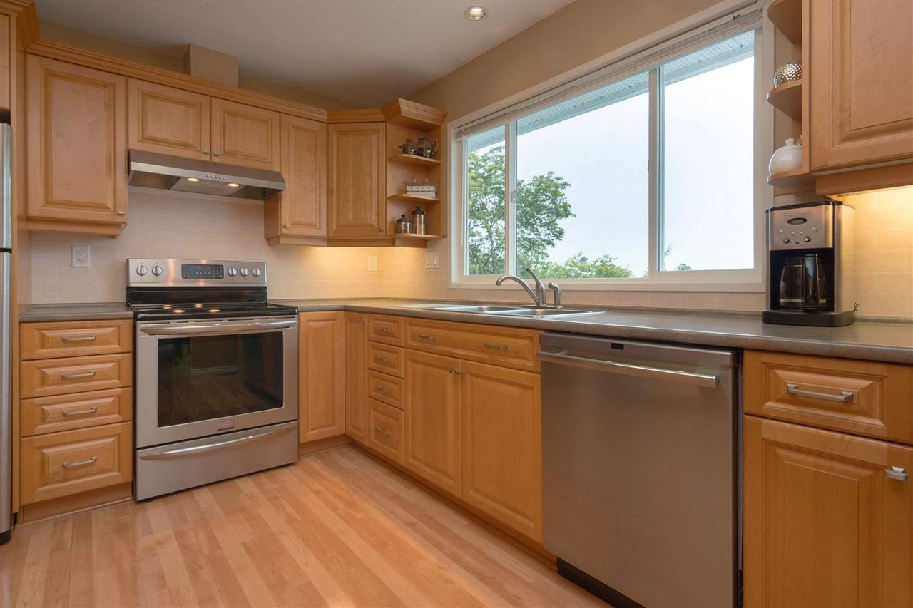 Photo 5: Photos: 3065 MCCRAE Street in Abbotsford: Abbotsford East House for sale : MLS®# R2399298