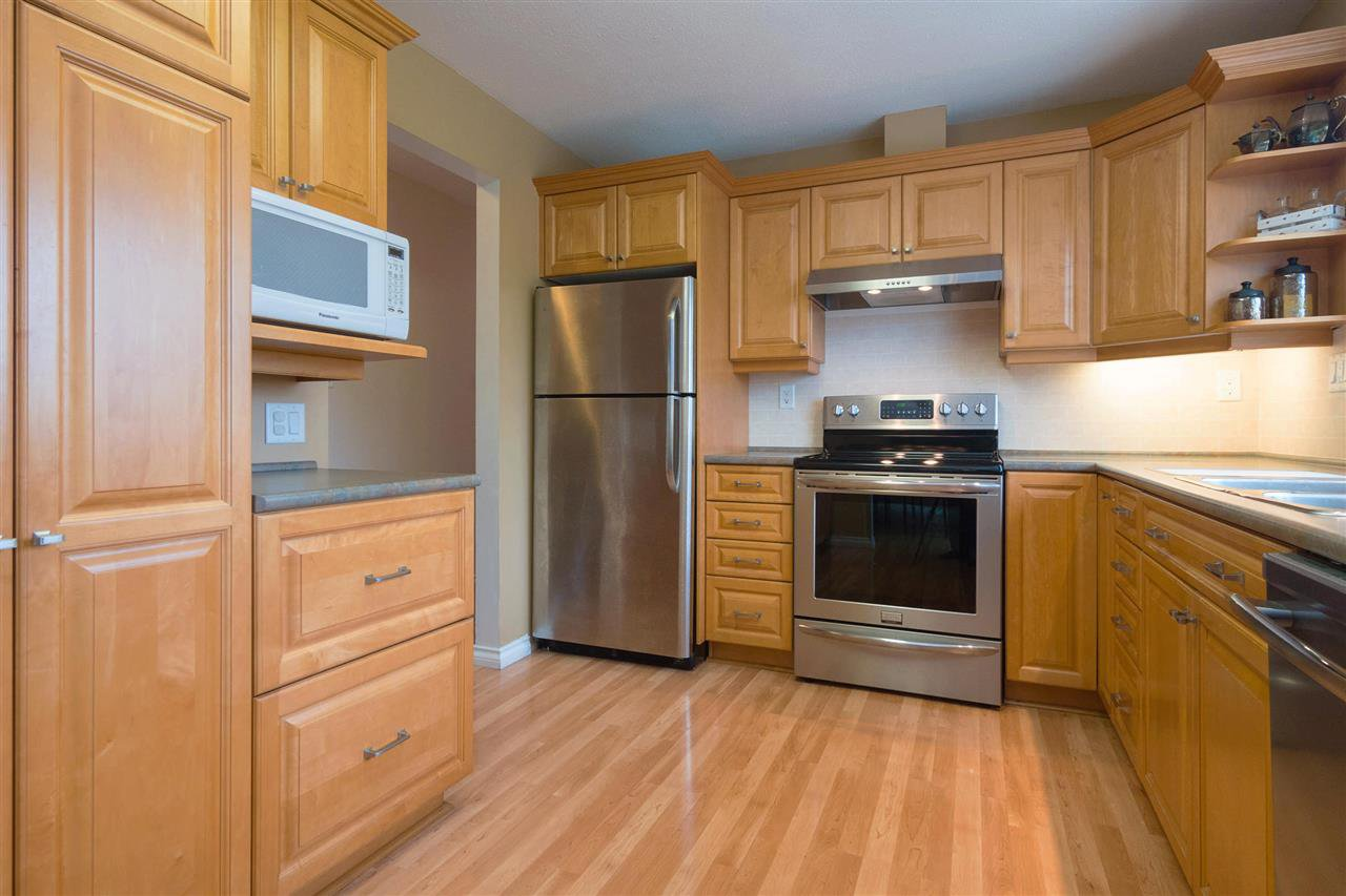Photo 6: Photos: 3065 MCCRAE Street in Abbotsford: Abbotsford East House for sale : MLS®# R2399298