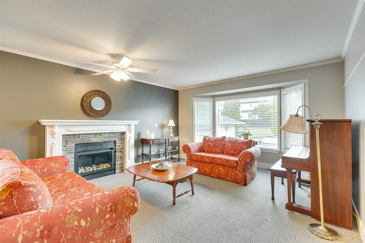 Main Photo: 510 MIDVALE Street in Coquitlam: Central Coquitlam House for sale : MLS®# R2402325