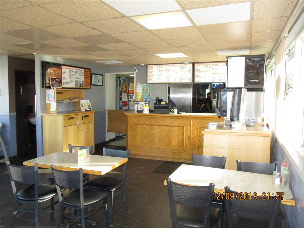 Main Photo: 5326 50 Avenue in Bonnyville Town: Bonnyville Business for sale : MLS®# E4174454