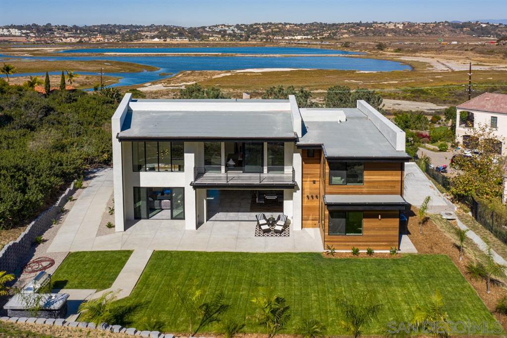 Main Photo: House for sale : 5 bedrooms : 2829 Racetrack View Drive in Del Mar