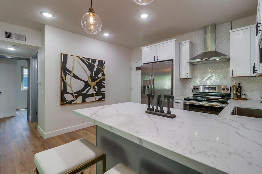Main Photo: POINT LOMA Condo for sale : 2 bedrooms : 4368 Temecula St #301 in San Diego