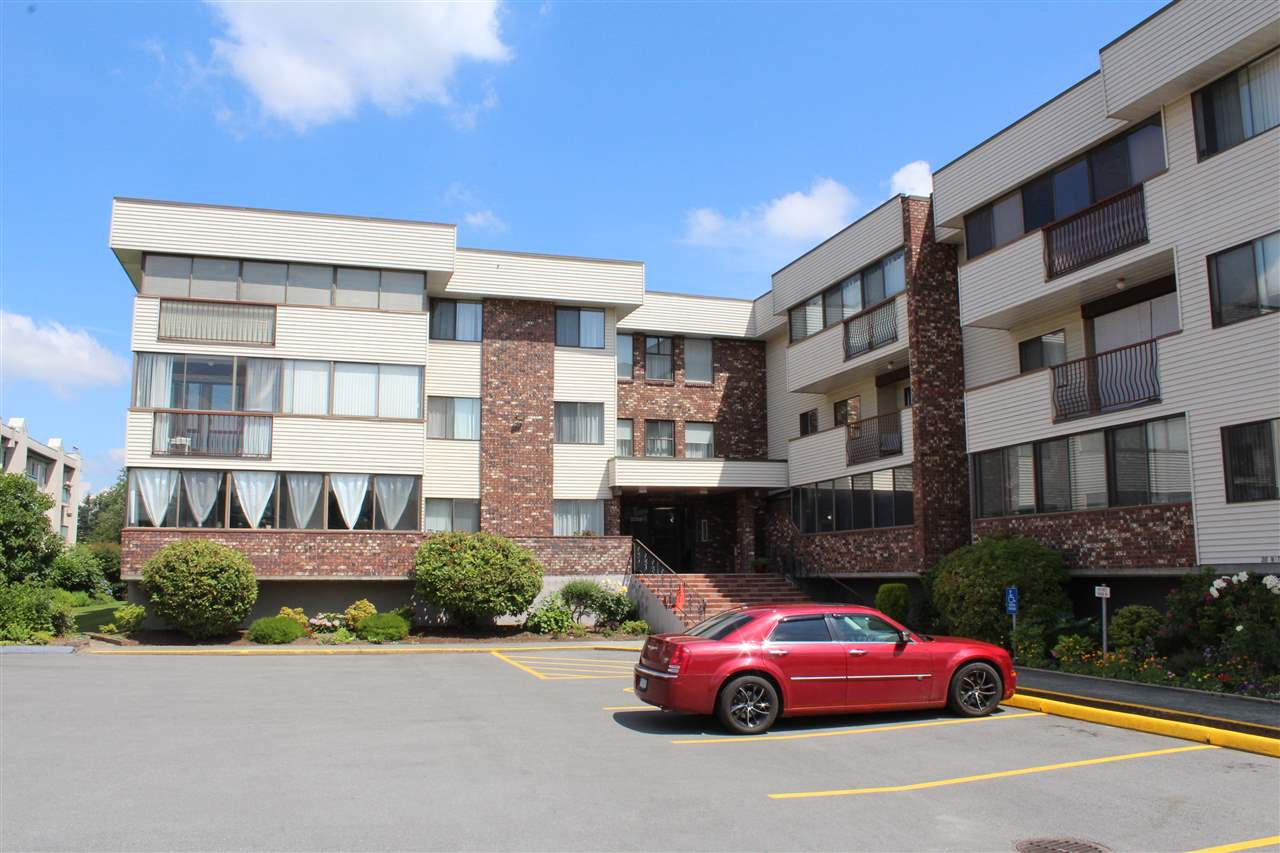"Main Photo: 213 33369 OLD YALE Road in Abbotsford: Central Abbotsford Condo for sale in ""Monte Vista"" : MLS®# R2498190"